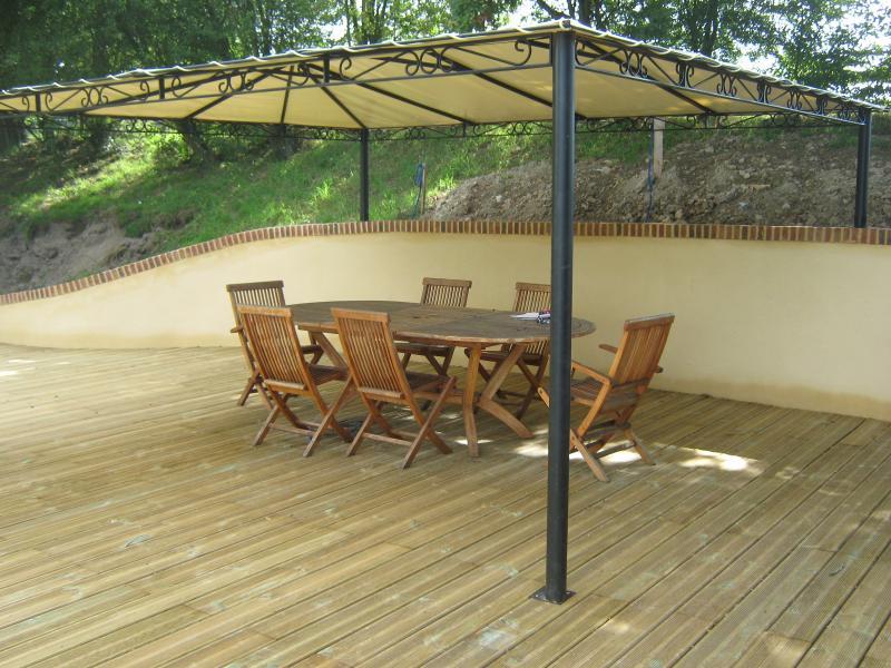 toit en canisse affordable pergola toiture pergola. Black Bedroom Furniture Sets. Home Design Ideas