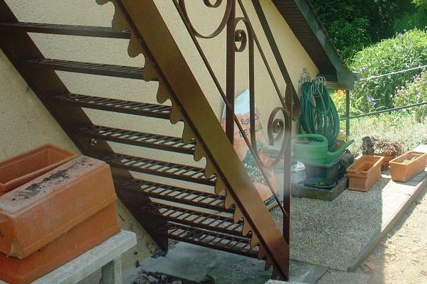 Escalier ext rieur en m tal normandie ferronerie for Escalier exterieur metal
