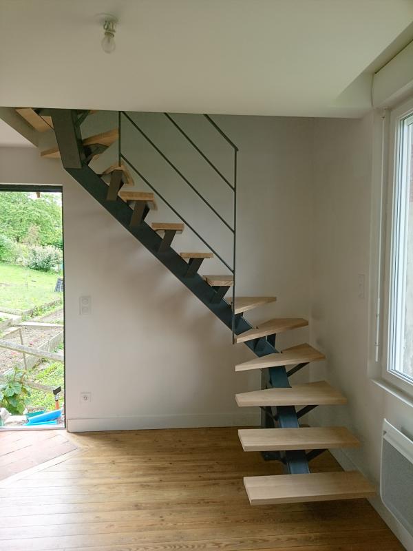 Escalier à limon central - Normandie Ferronerie, Artisan Ferronnier ...