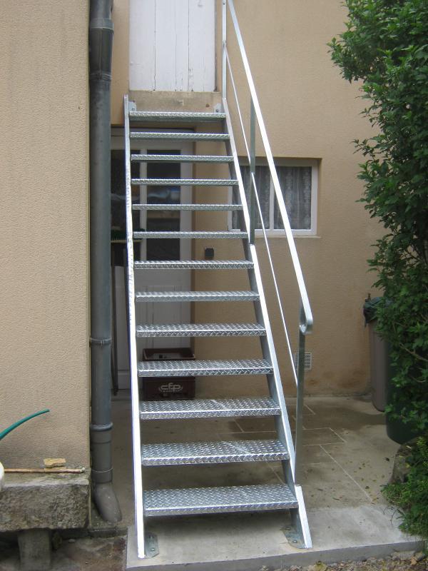 escalier ext rieur en m tal normandie ferronerie artisan ferronnier en normandie et pays d 39 auge. Black Bedroom Furniture Sets. Home Design Ideas